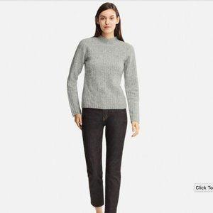 NWOT Uniqlo Wide Ribbed Mock Neck Sweater